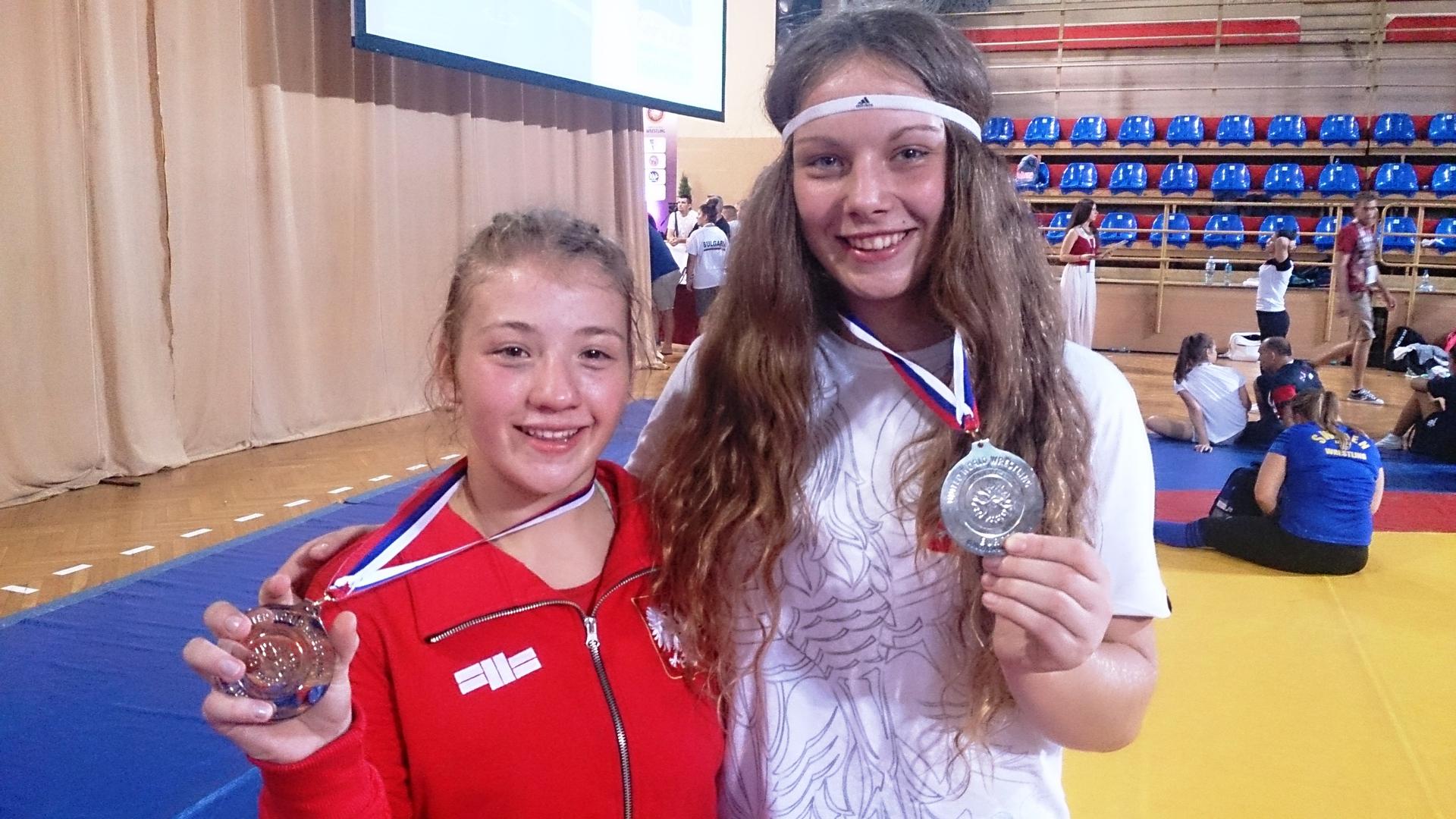 Nasze medalistki.jpeg