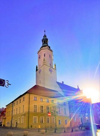 Namysłowski Ratusz - pochodzi z drugiej połowy XIV wieku - gmina Namysłów, powiat namysłowski (fot. Barbara Jarmuszewska)