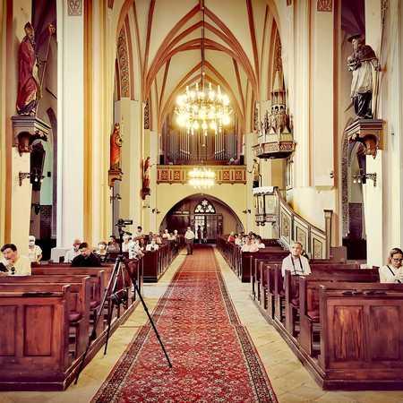 Wnętrze Kościoła pw. św. Apostołów Piotra i Pawła w Namysłowie - gmina Namysłów, powiat namysłowski (fot. Barbara Jarmuszewska)